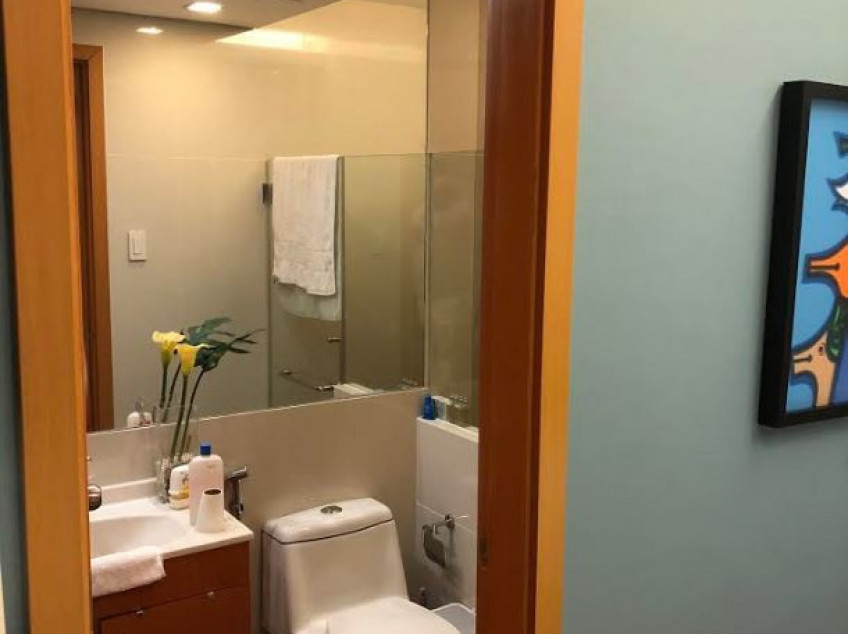FOR SALE: 1 Bedroom Unit in Trion Towers, Taguig City