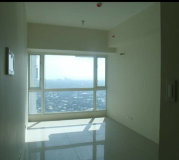 FOR SALE: Studio Unit in The Beacon Condominium, San Lorenzo